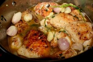 Piletina sa 40 glavice ljutike i 40 čena belog luka 003