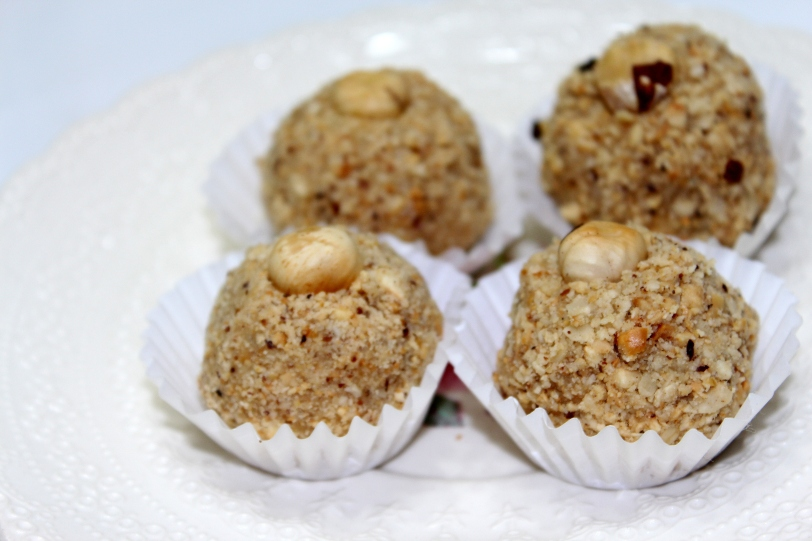 Truffles od bele čokolade i lešnika