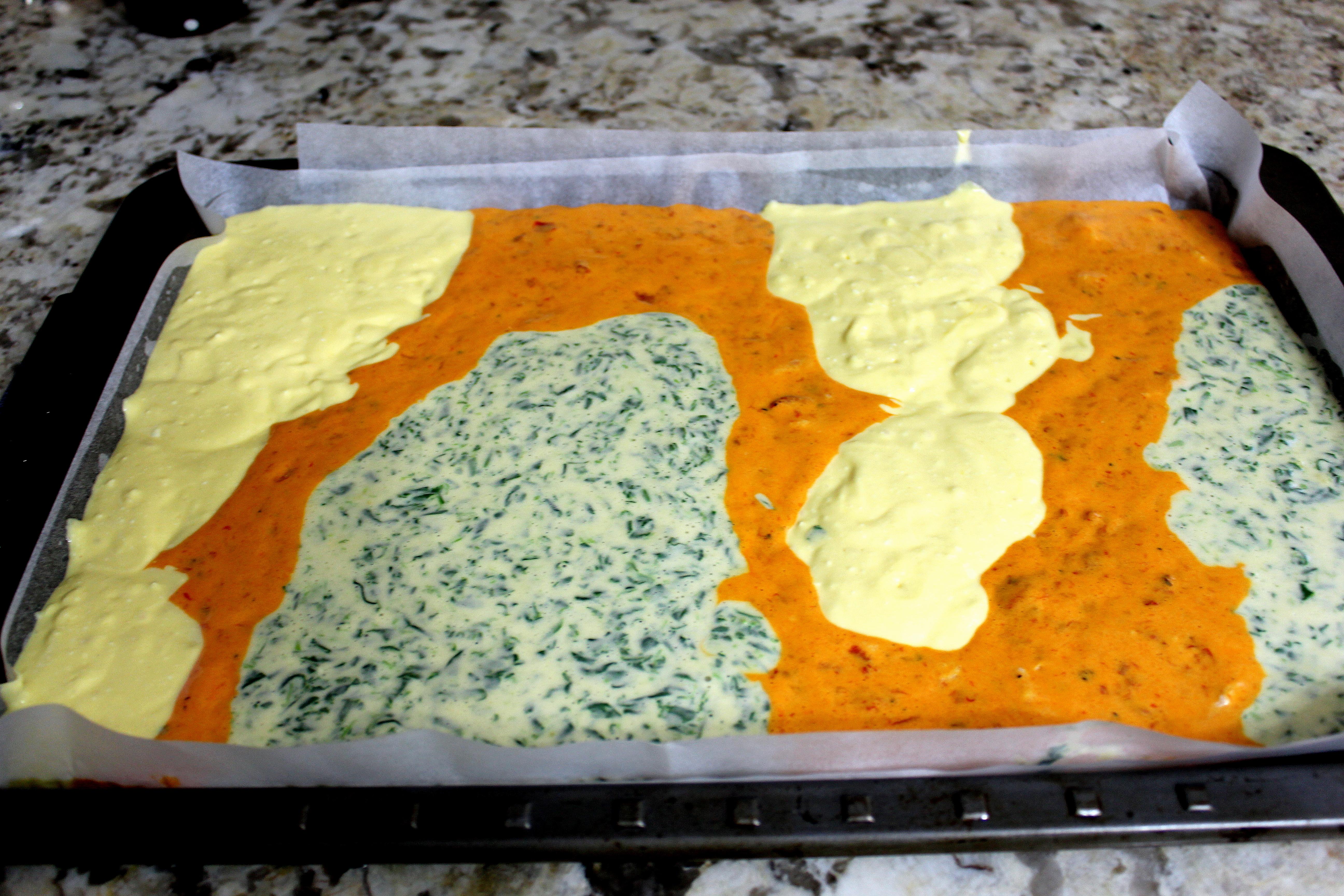 Slani rolat u tri boje i slavski kolači 001