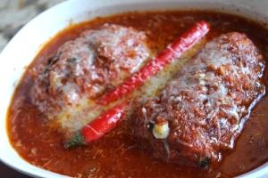 Braiesd chicken in tomato souce 011
