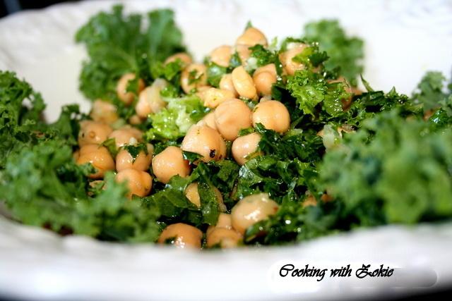 Salata sa leblebijama i keljom